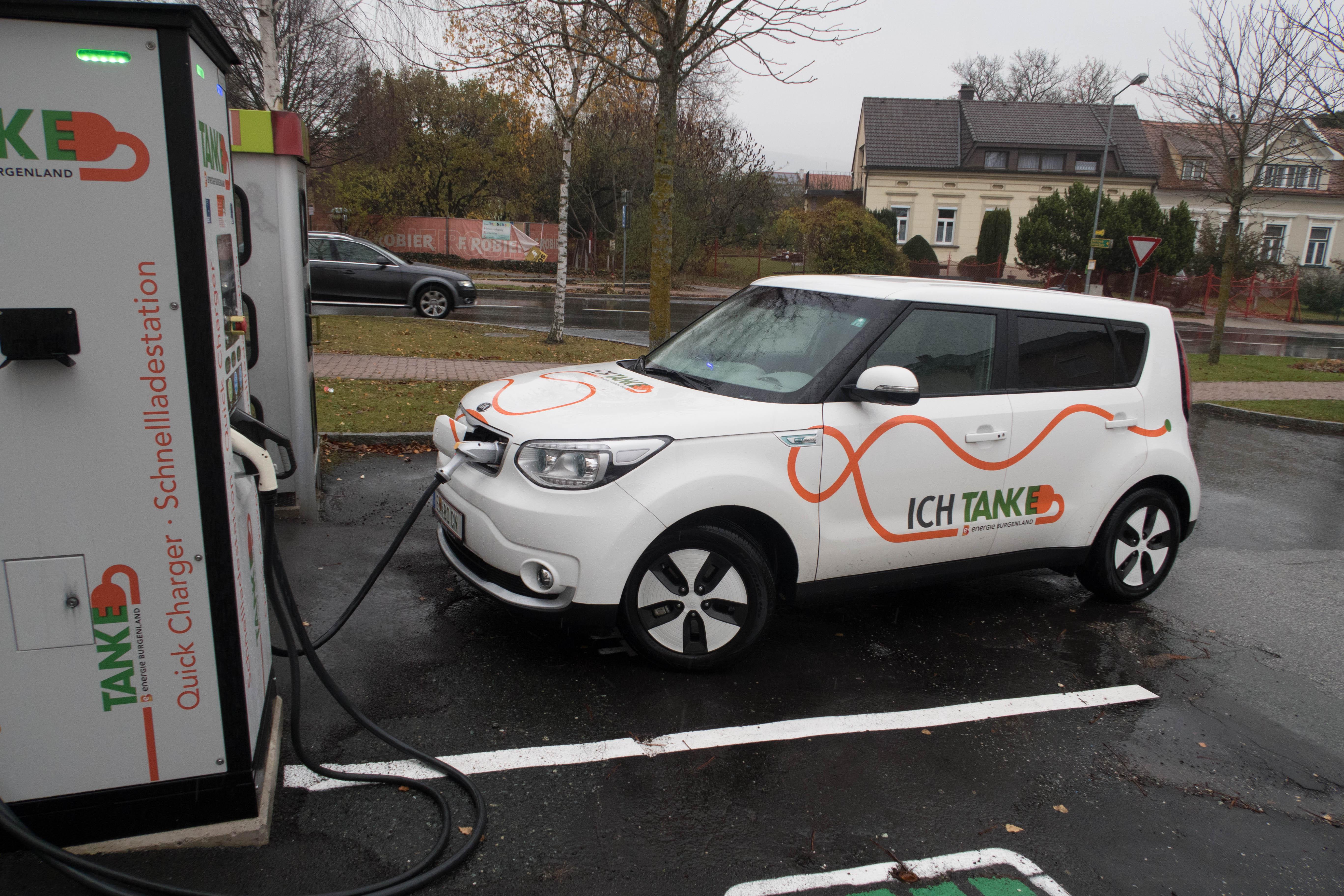 Elektroauto-Testfahrt in unserer Gemeinde